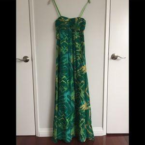 BCBG green flowing boho maxi dress. Sz 2